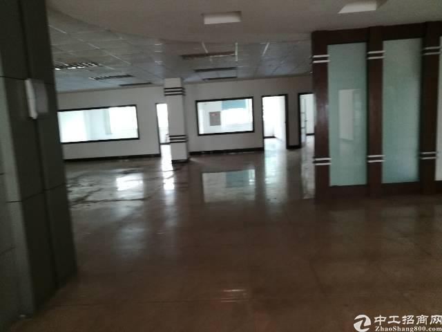 龙华新出独栋3层8400平带装修厂房