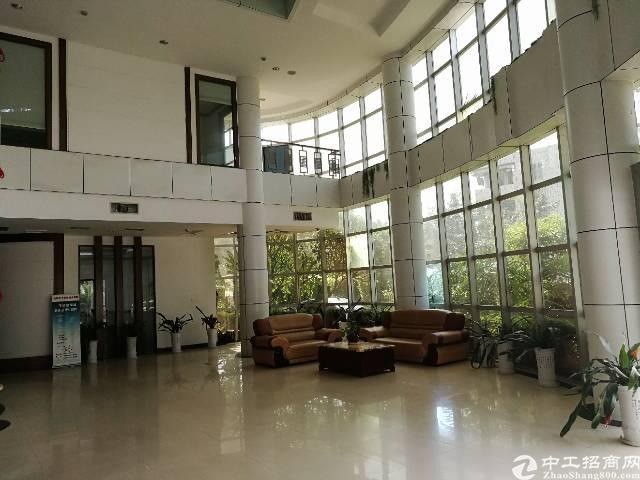 横岗路边独门独院4800平方3层商业性质楼出租!