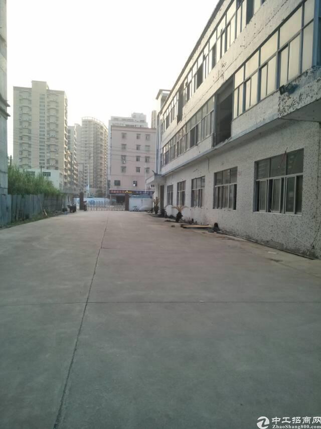 公明南光高速口汽车站旁独院6500平米带装修厂房