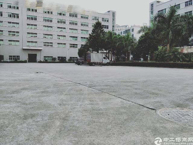 松岗燕川工业区新出红本厂房9000平米出租