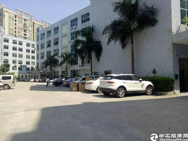 观澜龙观快线旁新出楼上750平带装修厂房