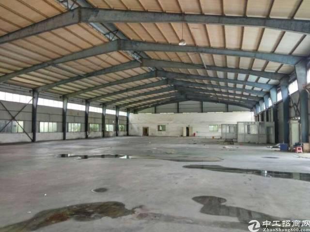 龙岗滴水八米高独院3300平方钢构厂房!可分租
