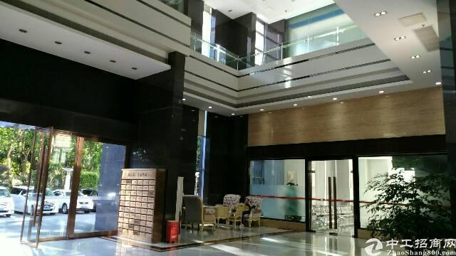 龙岗中心城500平米写字楼租35