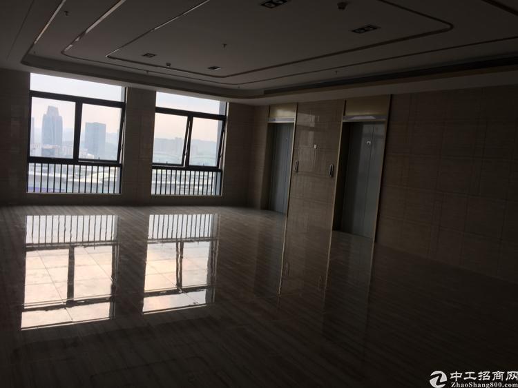 华南城旁2700平方米写字楼出租
