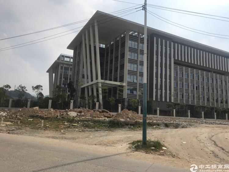 虎门沿江高速附近出租原房东独门独院厂房面积约8万平方形象非常