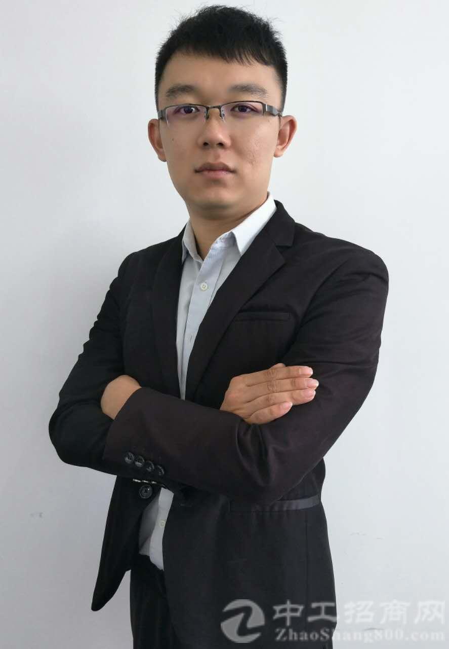厂房经纪人袁礼标