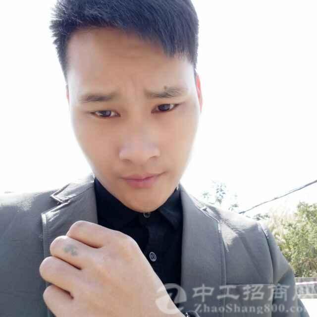 厂房经纪人欧阳坤