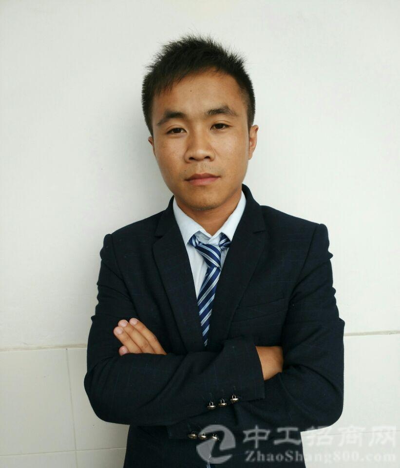 厂房经纪人梁小松