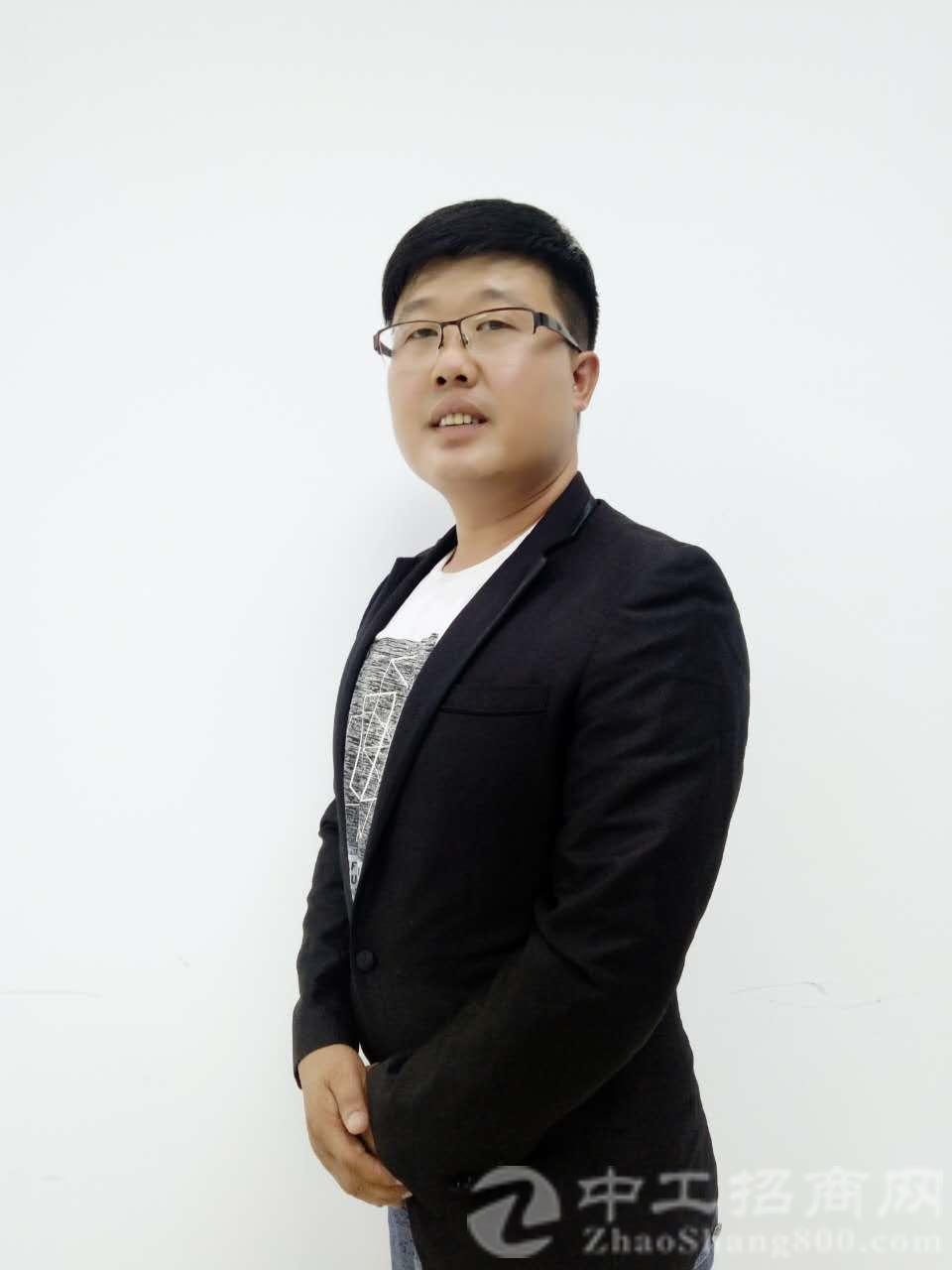 厂房经纪人胡林斌