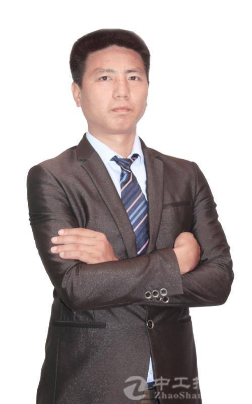 厂房经纪人谭龙斌