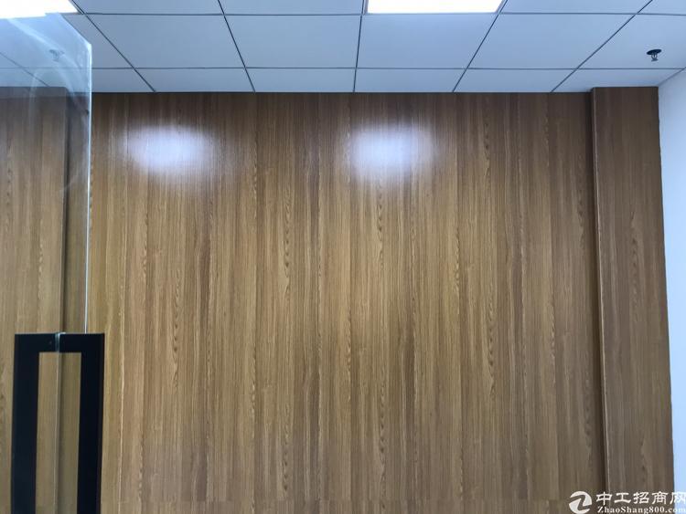 龙华明治地铁口精装修写字楼大小户型出租100平~2000平