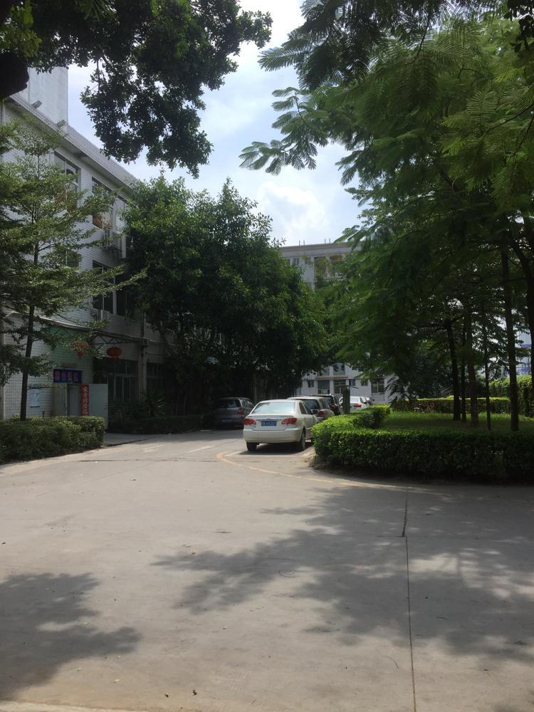 石岩汽车站附近1600平带装修厂房招租