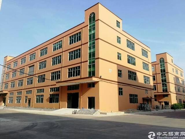 福永沿江高速边楼上整层2500平米厂房出租