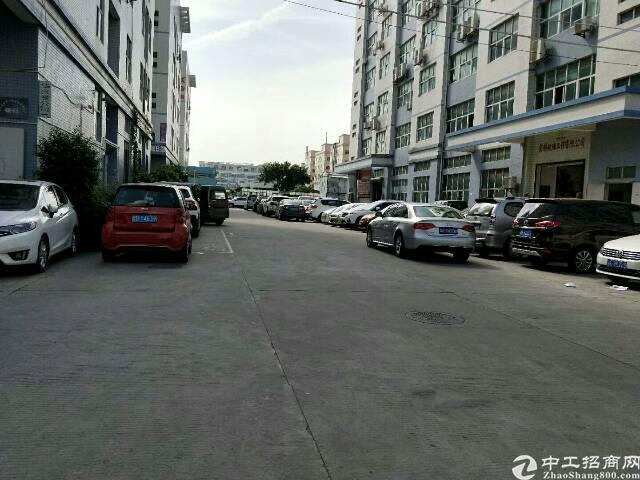 西乡固戍宝源路附近新出2楼1700平方空置厂房出租