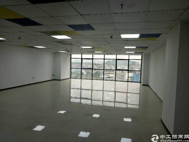长安沙头全新写字楼共5000平方,20块钱一平方