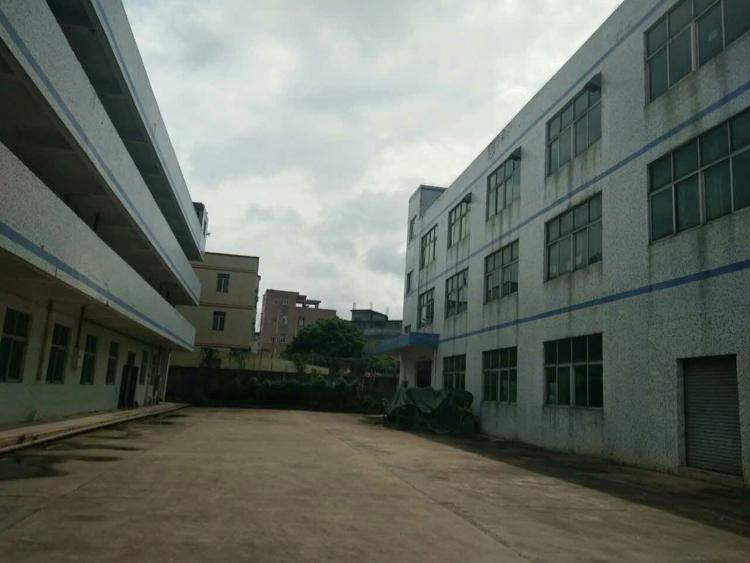 龙岗 南联 地铁口附近厂房1楼1200平米招租