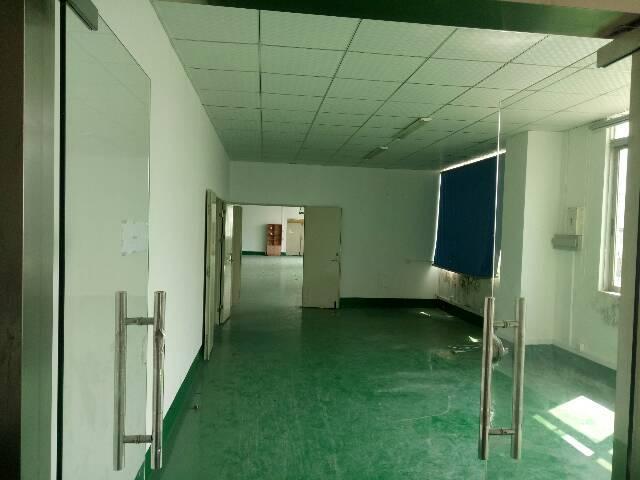 福永和平楼上400平米带装修厂房出租-图2