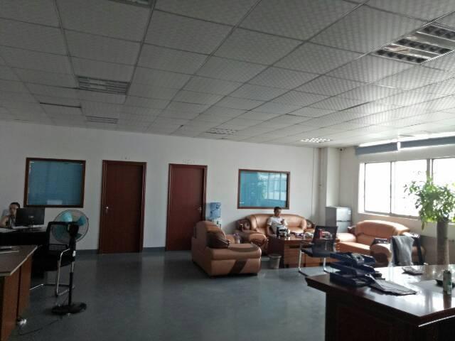 观澜樟坑径新出楼上1200平精装修厂房出租-图3