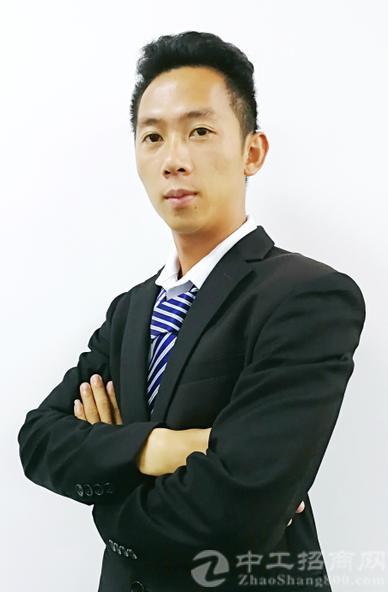 厂房经纪人陈龙