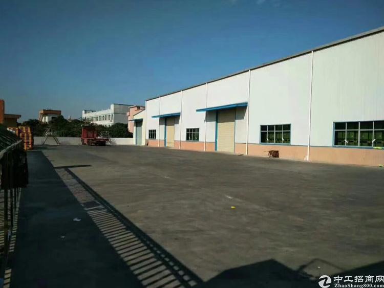 寮厦村单一层钢构房带办公室2400平方米