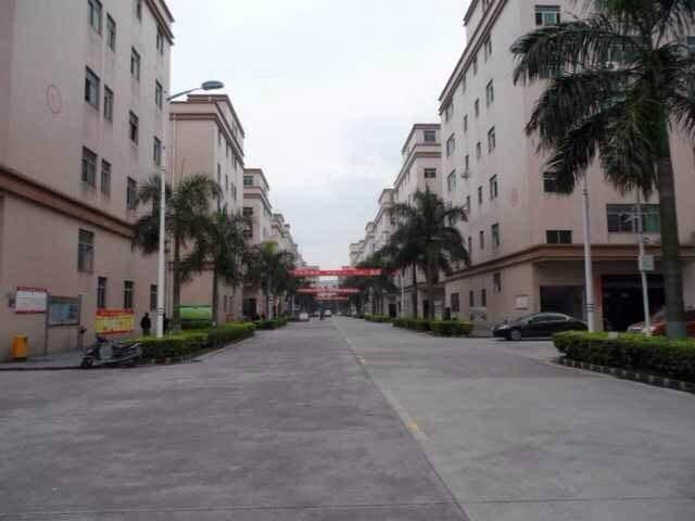 清平高速出口旁工业园新出一楼1345平方带装修