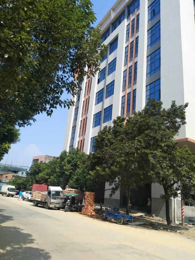 大岭山镇龙大高速附近重型工业厂房16000平可分租出租