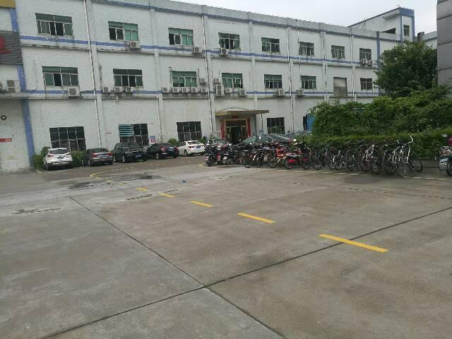 公明镇中心独门独院1-3层5600平米租25块