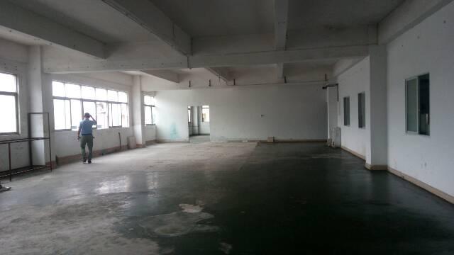 小型厂房三楼700平方招租