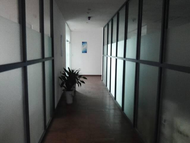观澜新出豪华装修车间十办公室720平方火爆招租中
