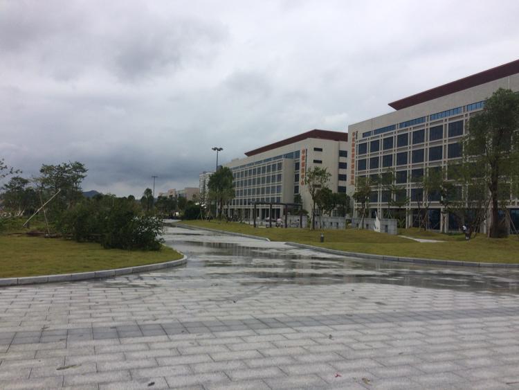 马蹄岗村高速出口附近新出工业区内独栋厂房13000平米招租