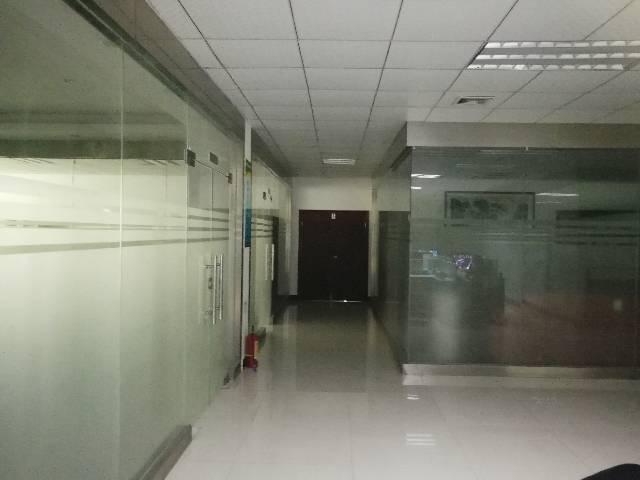 观澜泗黎路旁新出原房东厂房2200平方带精装修-图4