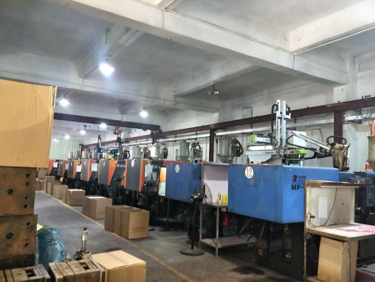 黄江镇社贝村独院厂房出租一楼1100平方带行车