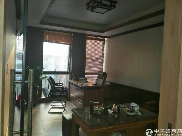 龙华地铁口320平红本写字楼业主直租