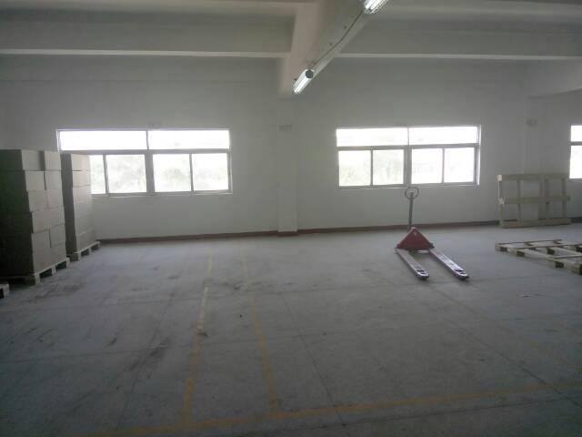 坪山坑梓镇新推出标准厂房二楼2200平方全新招租