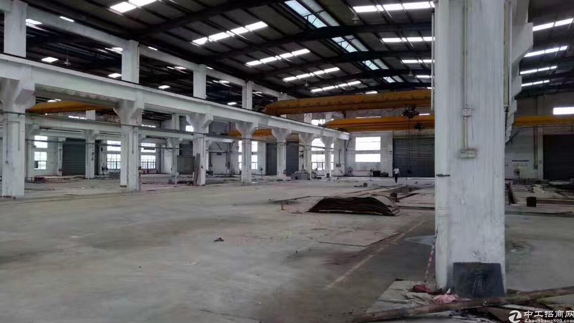 黄江镇镇中心带行吊铁皮房出租,水电齐全拎包入驻
