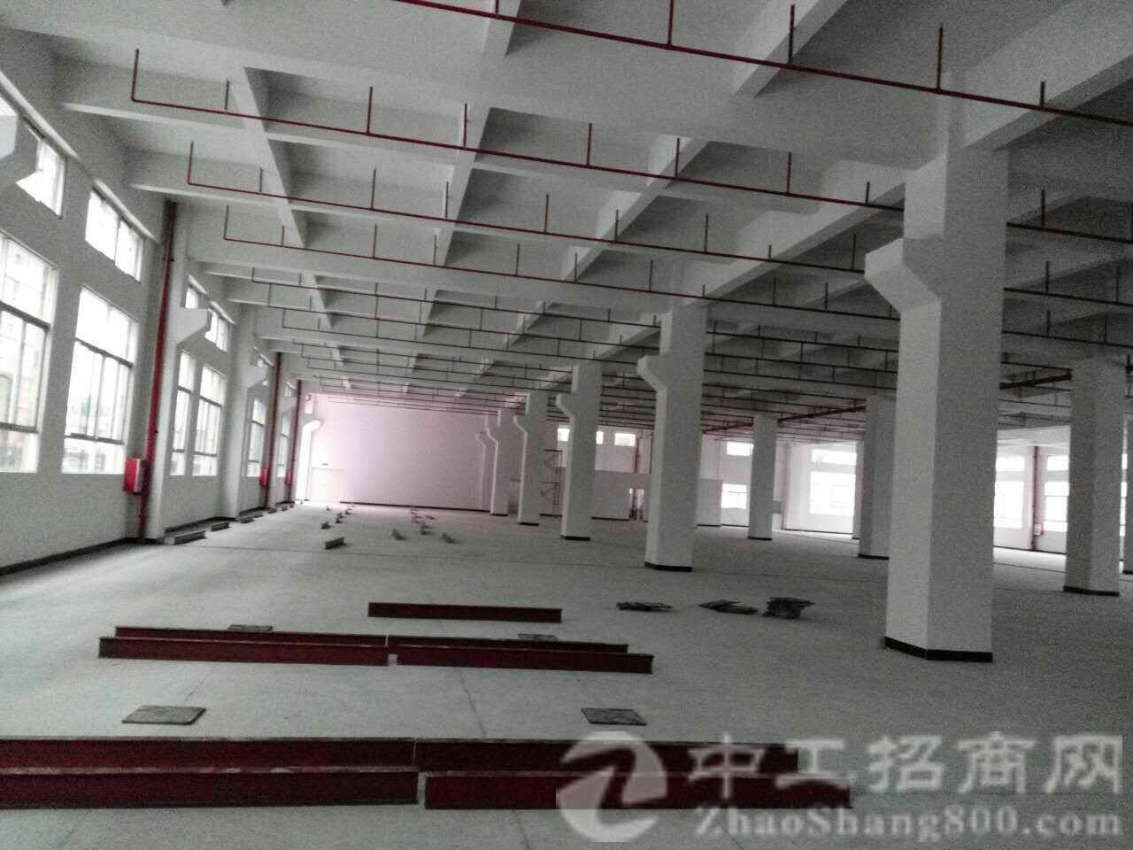 茶山镇刘黄独院单一层砖墙到顶6000平 带带卸货平台