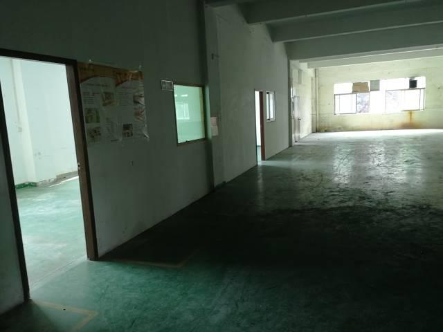 龙岗嶂背带装修厂房三楼580平出租