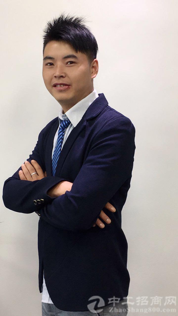 厂房经纪人杨启平