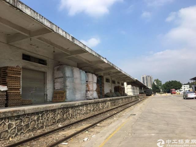 坂田五和地铁站附近新出单一层钢结构2980平方可分租