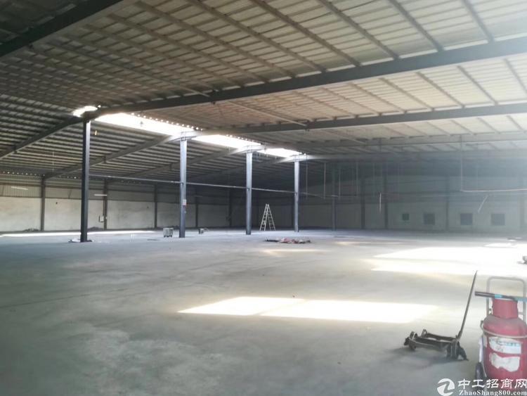 松岗新出厂房,7800平方,租金面议,价格面议。