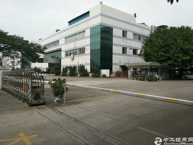 长安镇新出独院厂房1一3F36000平方带精装修