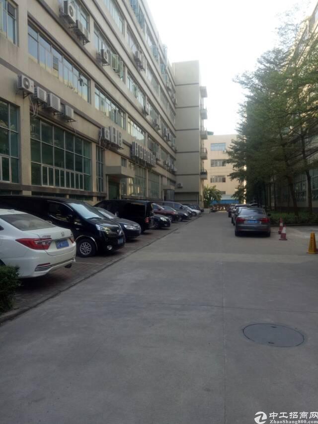 沙井和一新出楼上2000平方厂房急租