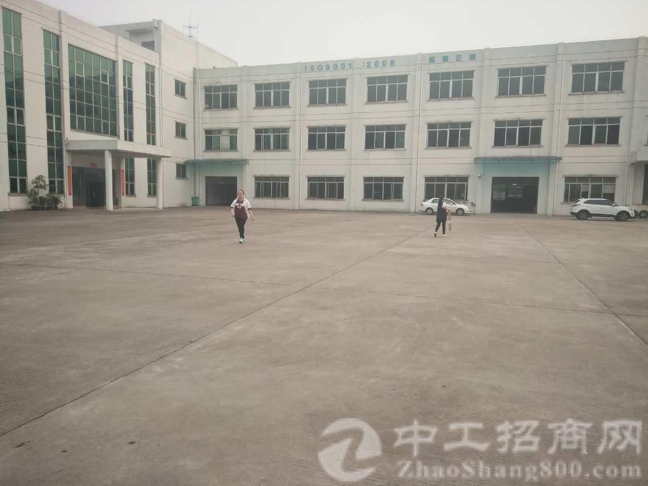 标准独院厂房,厂房3层6000平方厂房配有消防喷淋,空地大,