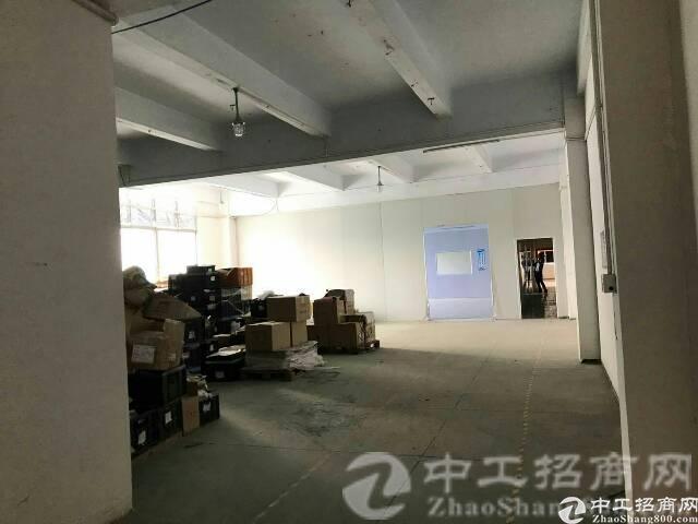 松岗中学附近新出楼上带装修1800㎡厂房招租-图2