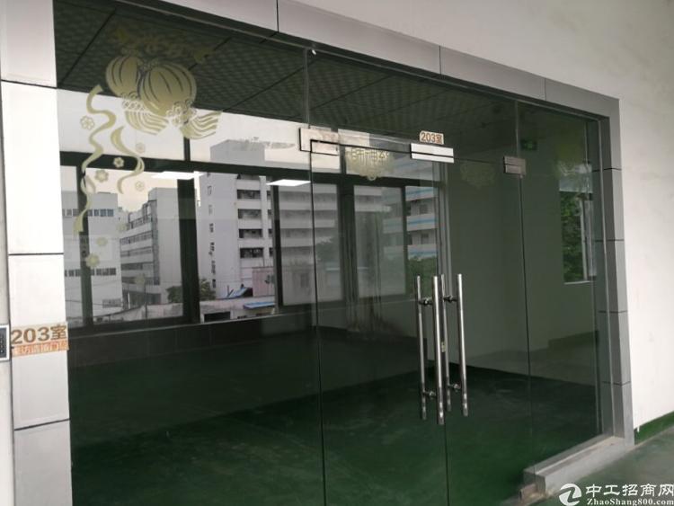 龙华和平路边距离龙华地铁站900米3楼1200平精装修厂房-图4