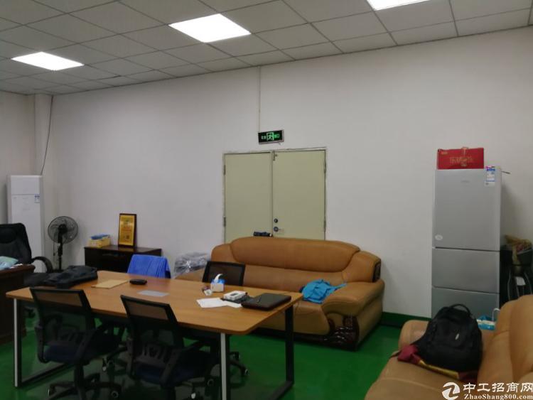 龙华和平路边距离龙华地铁站900米3楼1200平精装修厂房-图3