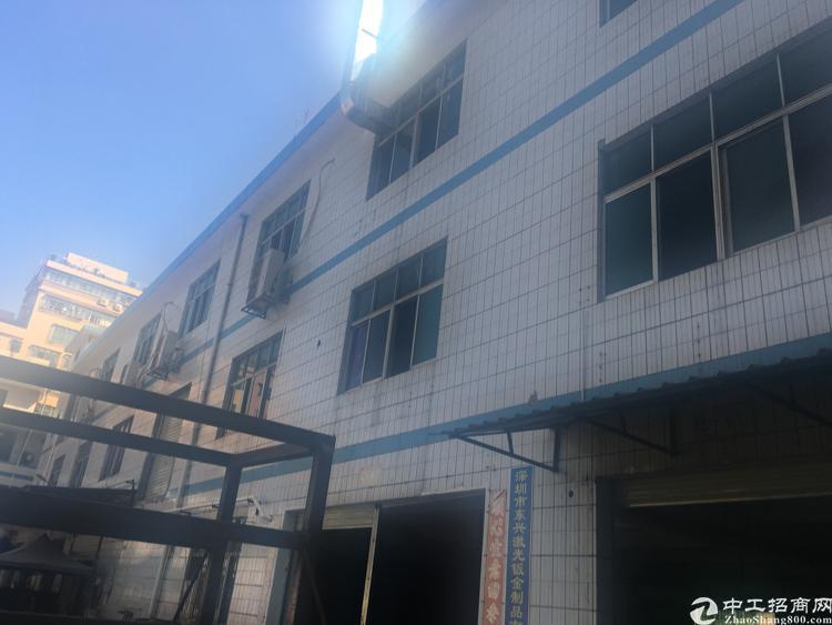 观澜独院厂房1380平,2楼,价格18,带办公室装修