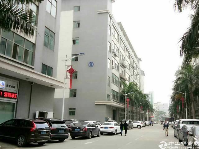 龙华大浪嘉安达工业园楼上1800平带装修厂房出租