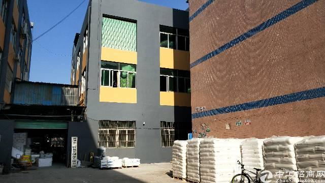 观澜原房东1-3层小独栋厂房1200平米出租。
