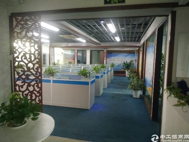 民治地铁口精装修办公室550平招租,带卡位